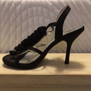 Sexy black heels with cute front design